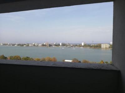 Constanta - Campus - Universitate - 3 camere de lux, vedere la mare