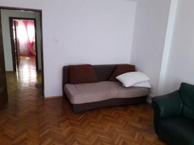 Constanta - Ultracentral - Magazinul Tomis - apartament 2 camere decomandate