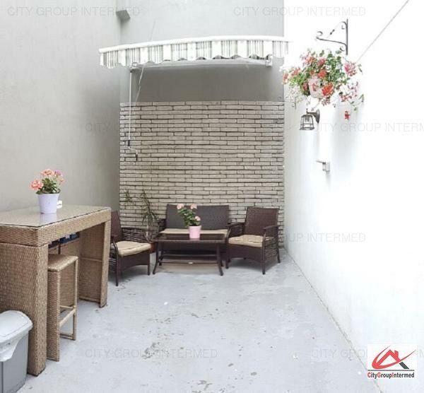 Constanta - Ultracentral - Casa Casatoriilor - 3 camere pe malul marii