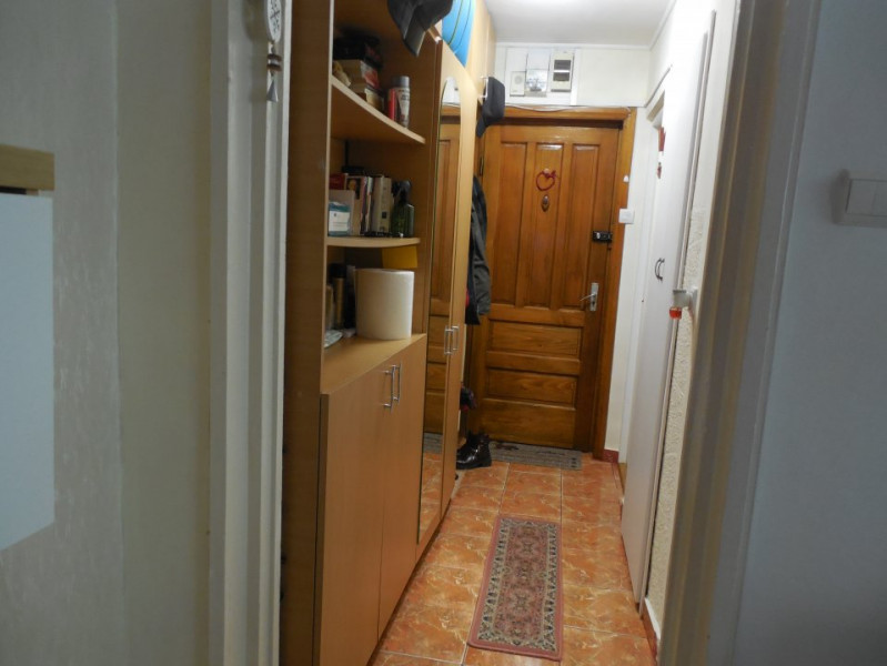 Constanta - Intim - apartament 2 camere semidecomandate